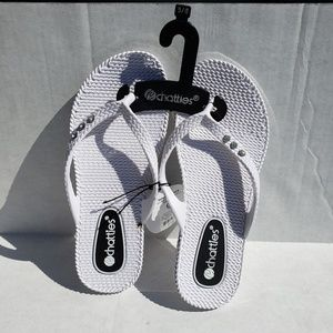NWT Chatties flip flop